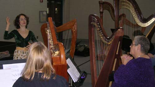 Stephanie Bennett teaches harp workshop in Ohio