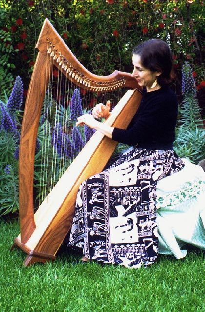 Stephanie with Lever harp